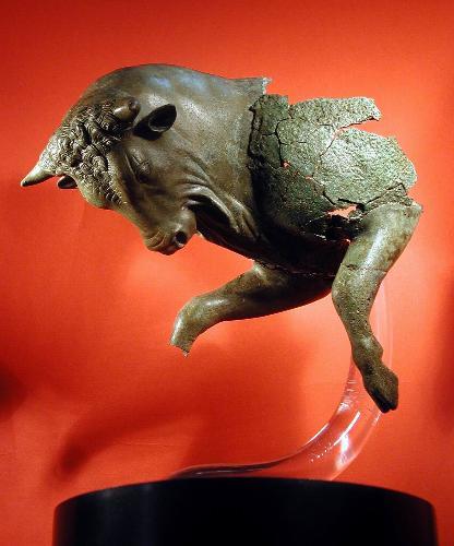 Sibari-toro cozzante in bronzo originale
