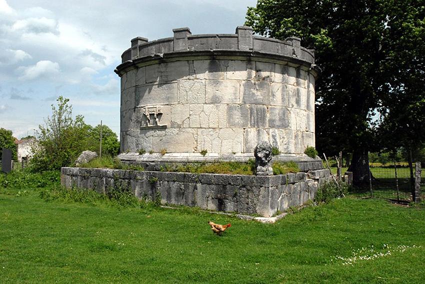 mausoleo_di_ennio_marsio